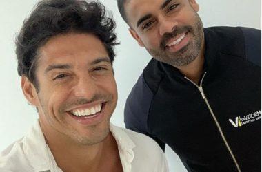 Marlos Cruz com o Dr. Vitor Moretti Créditos: divulgação